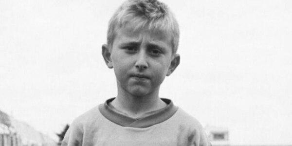Luka Modric, a quienes muchos ven como el futuro Balón de Oro, en una imagen de niño. Tomada de El Mundo /Zvonko Kucelin.