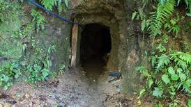 Minero muere al caer junto a compañero en túnel de 75 metros en Abangares