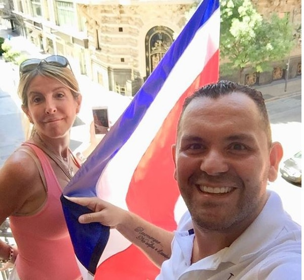En las pasadas elecciones Kiko y su esposa se pusieron bien patrióticos en su casa. Instagram