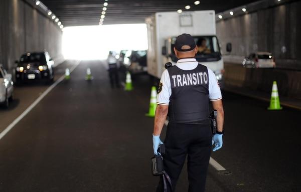 Quienes irrespetan la restricción vehicular se exponen a una multa de ¢107.000. Foto: Alonso Tenorio.