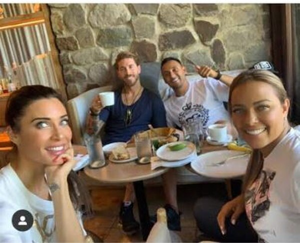 Keylor se evitó ir a la Copa Oro para pasear por Egipto, ir a la boda de Pilar Rubio y Sergio Ramos y ahora compartir con ambos de las bellezas de nuestro país. Tomado de Instagram.