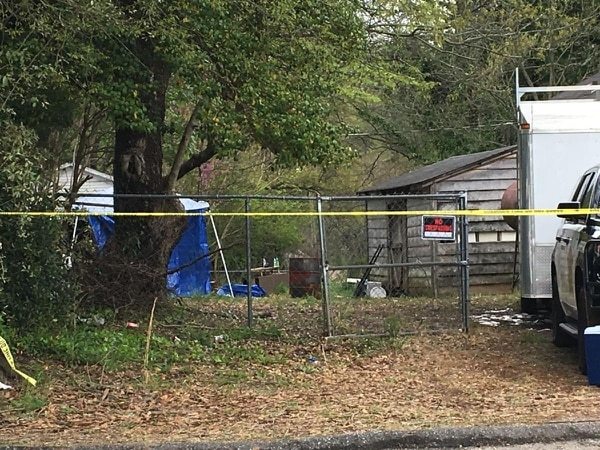 En esa propiedad fue el terrible hallazgo. Foto: Fox Carolina