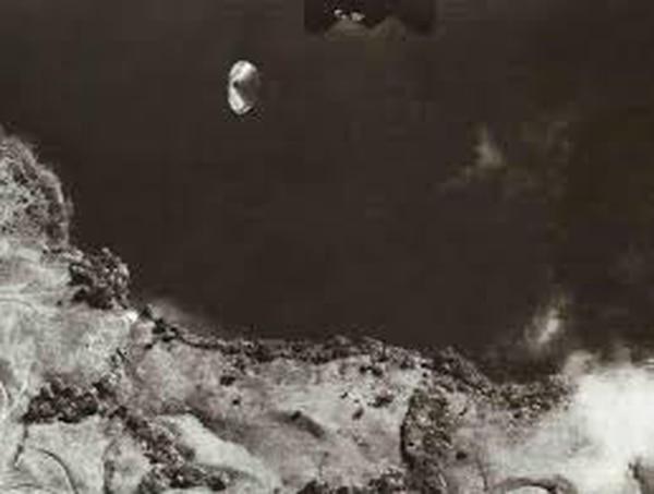 La foto del lago Cote es uno de los documentos históricos de ovnis más contundentes del mundo.