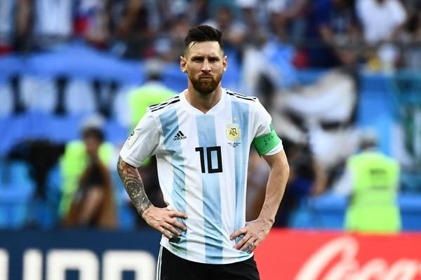 El fracaso en el Mundial de selecciones como Argentina, que se apoyaron solo en la figura de Messi, convencen a Lleida que la forma de enseñar fútbol cambió. / AFP PHOTO / Jewel SAMAD /
