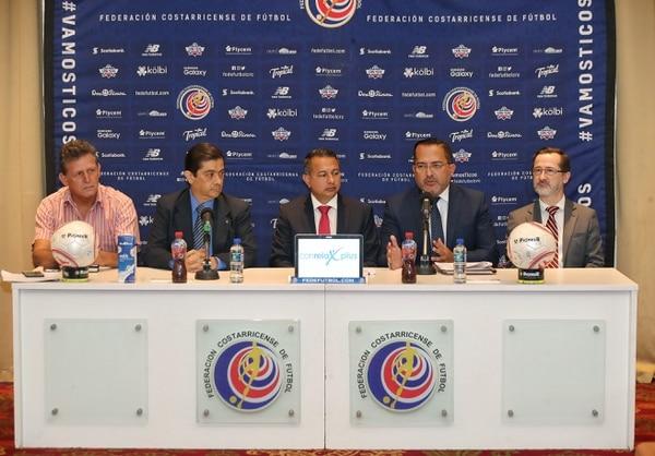 Guillermo Araya del ICD, explicó los alcances del acuerdo que tomaron con los presidentes de los clubes : John Durán