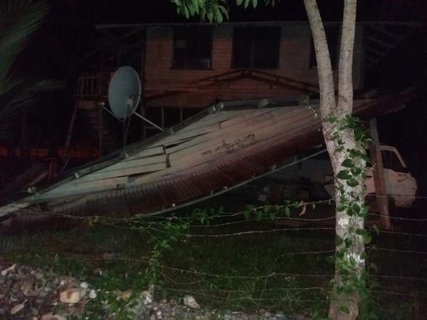 La CNE reporta tres casas afectadas por el fuerte sismo. Foto: Cortesía para La Teja.