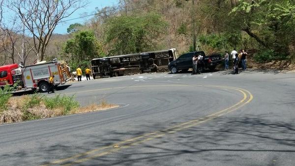 El accidente ocurrió en la zona conocida como La Vuelta del Codo del Diablo. Fotos: Julio Segura