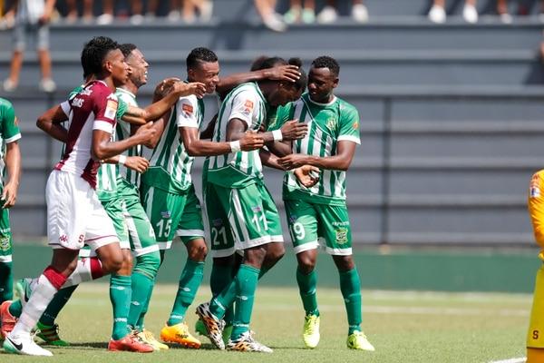 Los caribeños reaccionaron rápido ante el gol del Monstruo. Foto: José Cordero.