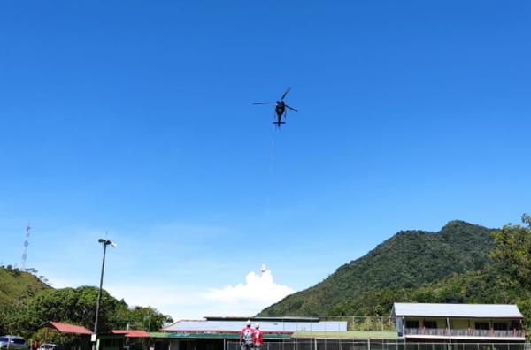 Mediante un vuelo con muchas maniobras se logró el rescate del cuerpo de Marialis Blanco Vega. Foto: Aerodiva para LT