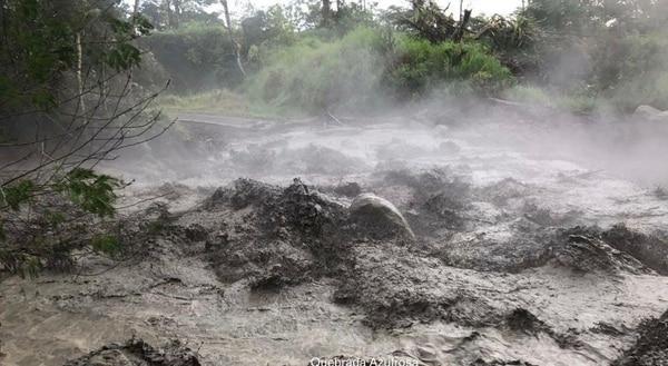 Volcán Rincón de la Vieja generó erupción y lahares este domingo