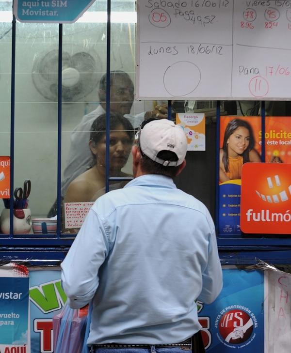 El Lotto ha pegado tanates entre los compradores de loterías electrónicas. Fotos: Mayela López