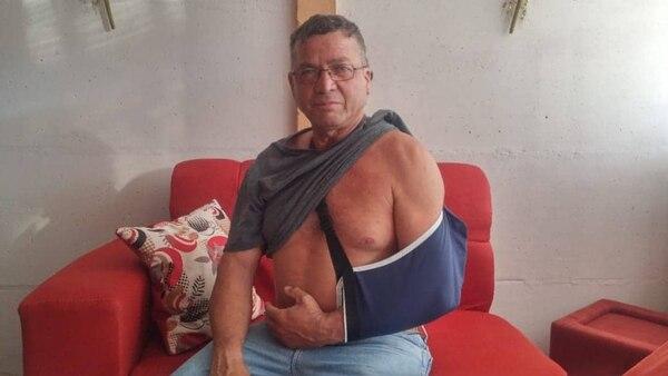 Don Jeremías pasará varios días reposando a la espera de su operación. Cortesía.