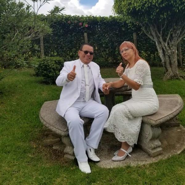 Ambos fueron vestidos de blanco, pues fue una promesa.