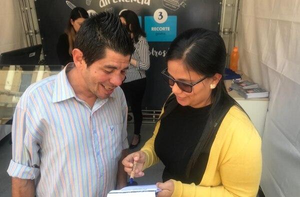 Marvin Zamora es electricista y recibió asesoría para aprender a hacer un presupuesto.