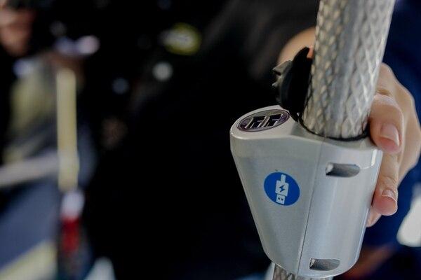 Hay cargadores USB para que uno siempre tenga su celular con la batería puras tejas. Cortesía.