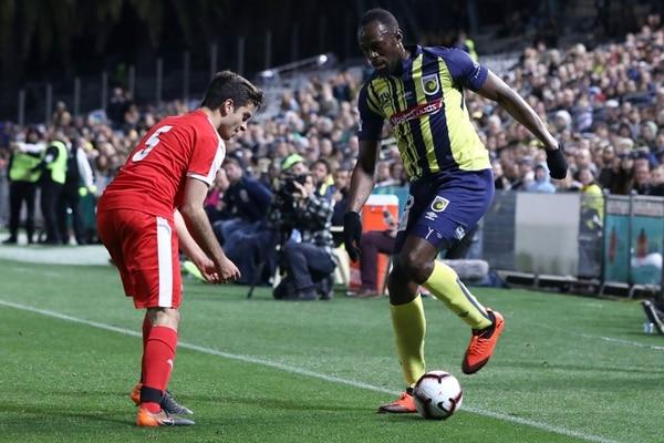 Bolt la pulseó para jugar profesionalmente, pero no se le dio. AFP