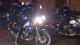 Agarran a pedradas a dos policías en la León XIII