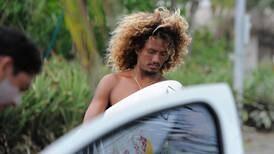Surfista tico Cali Muñoz corre para llegar a Tokio 2020 por invitación de última hora