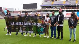 OPINIÓN: El tributo rendido por Heredia a periodista fallecido por covid-19 va más allá del partido de fútbol
