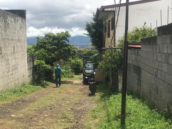 Eva Morera fue asesinada en calle Matilde, en Barva de Heredia en la casa de los familiares de su expareja. Foto: Silvia Coto