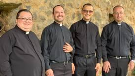 Cuatro sacerdotes sancarleños alegran a la Negrita con nueva canción
