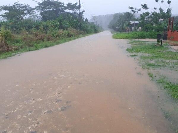 Río Claro, en la zona sur del país, es una de las más afectadas por las fuertes lluvias de mayo. Foto: CNE