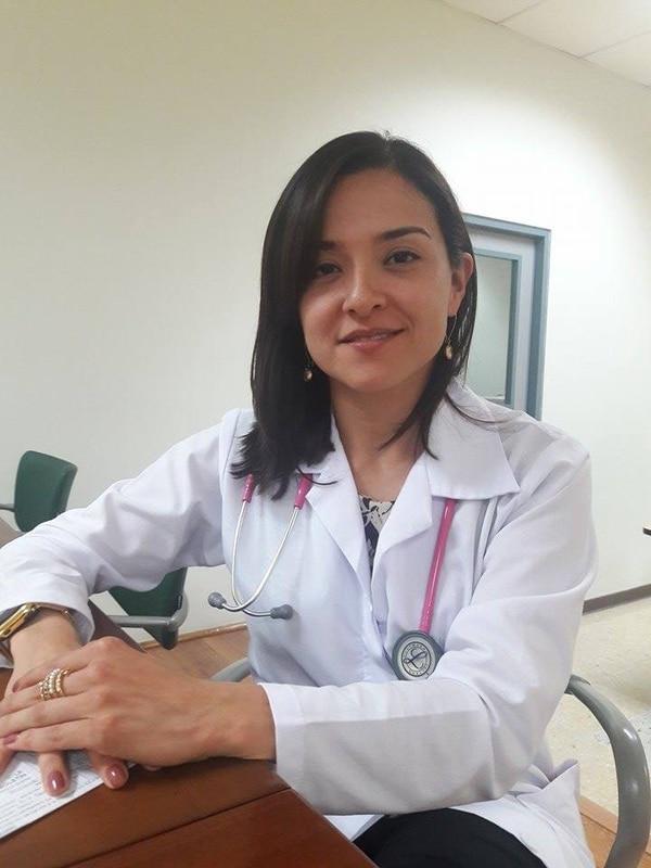 La doctora Isabel Barrientos Calvo, realizó la última charla del año de la Escuela de Oro del Hospital Nacional de Geriatría y Gerontología. Eduardo Vega Arguijo