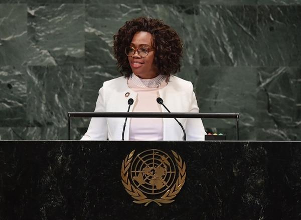 Epsy Campbell dirigió un discurso ante el plenario de la ONU a finales de setiembre anterior. En ese momento la acompañó su esposo Berny Venegas . Foto: Angela Weiss / AFP.