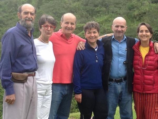 Figues Boggs, el primero de la izquierda, fue el mayor de los hijos de don Pepe. A su lado en la fotografía Muni Figueres, José María Figueres, Christiana Figueres, Mariano Figueres y Kirsten Figueres. Tomada de Facebook.