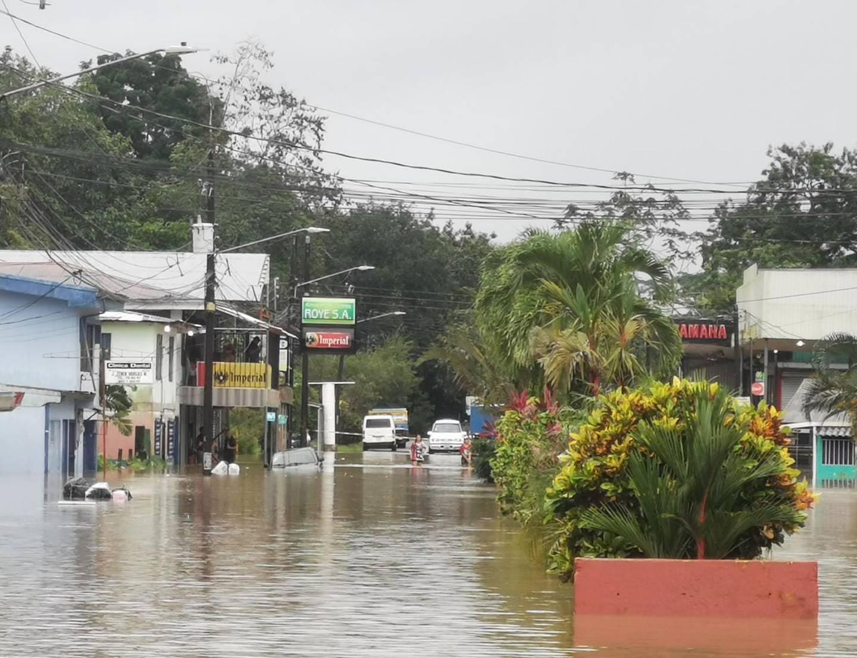 Afectaciones por inundaciones en Sarapiquí. Foto Reyner Montero.