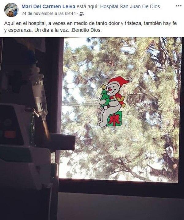 La periodista mantiene su espíritu navideño muy vivo y hasta decoró su cuarto del hospital. Facebook