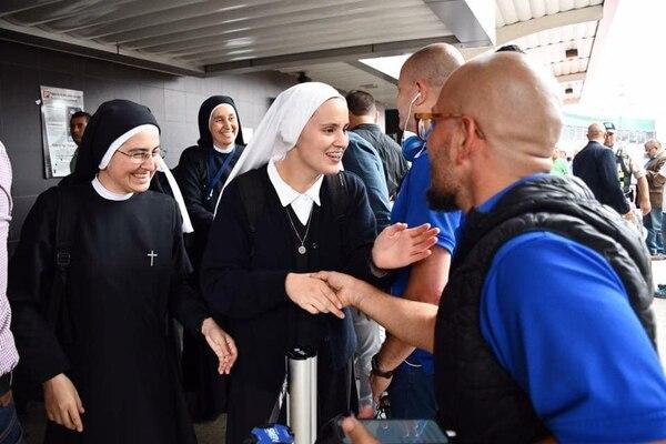 La monjas fueron recibidas con mucho cariño en Tiquicia. Cortesía Radio Fides.
