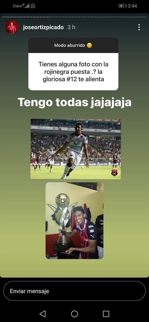 Chirriche hasta mostró fotos de cuando jugaba con la Liga. Pantallazo