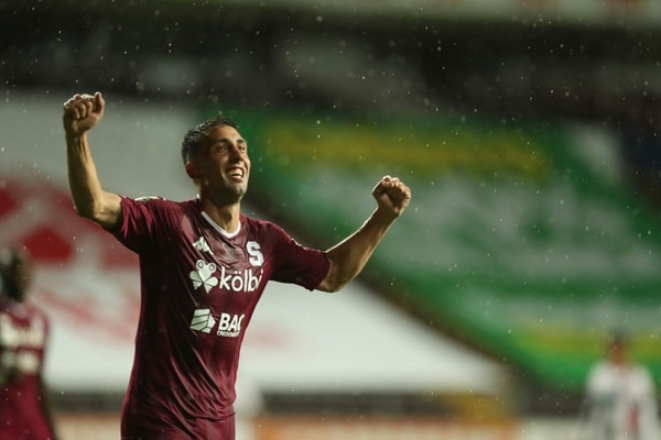 Mariano Torres marcó el gol que sepultó las esperanzas manudas. Fotografía José Cordero