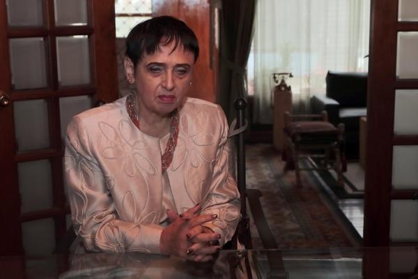 La Sutel le dijo que no al caso de doña Eugenia, pero ella y su abogado ya apelaron la decisión. Foto Alonso Tenorio.