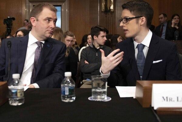 Ethan Lindenberger declaró ante el Congreso de Estados Unidos porque se enfrentó a su madre y se vacunó. Foto: Jim WATSON / AFP