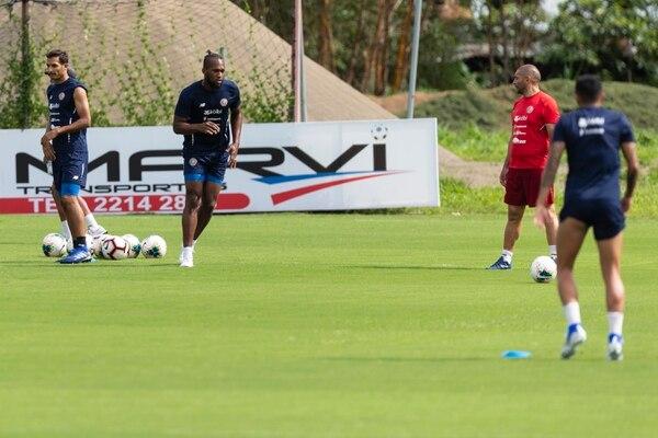 Kendall confirmó que con el charrúa también tiene libertad de ir al ataque a buscar golcitos en balón parado. Fotografía José Cordero