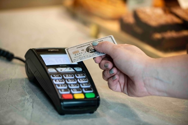 En más de 300 mil bajaron las tarjetas de crédito que circulan en el país, en el último año. Foto únicamente con fines ilustrativos.