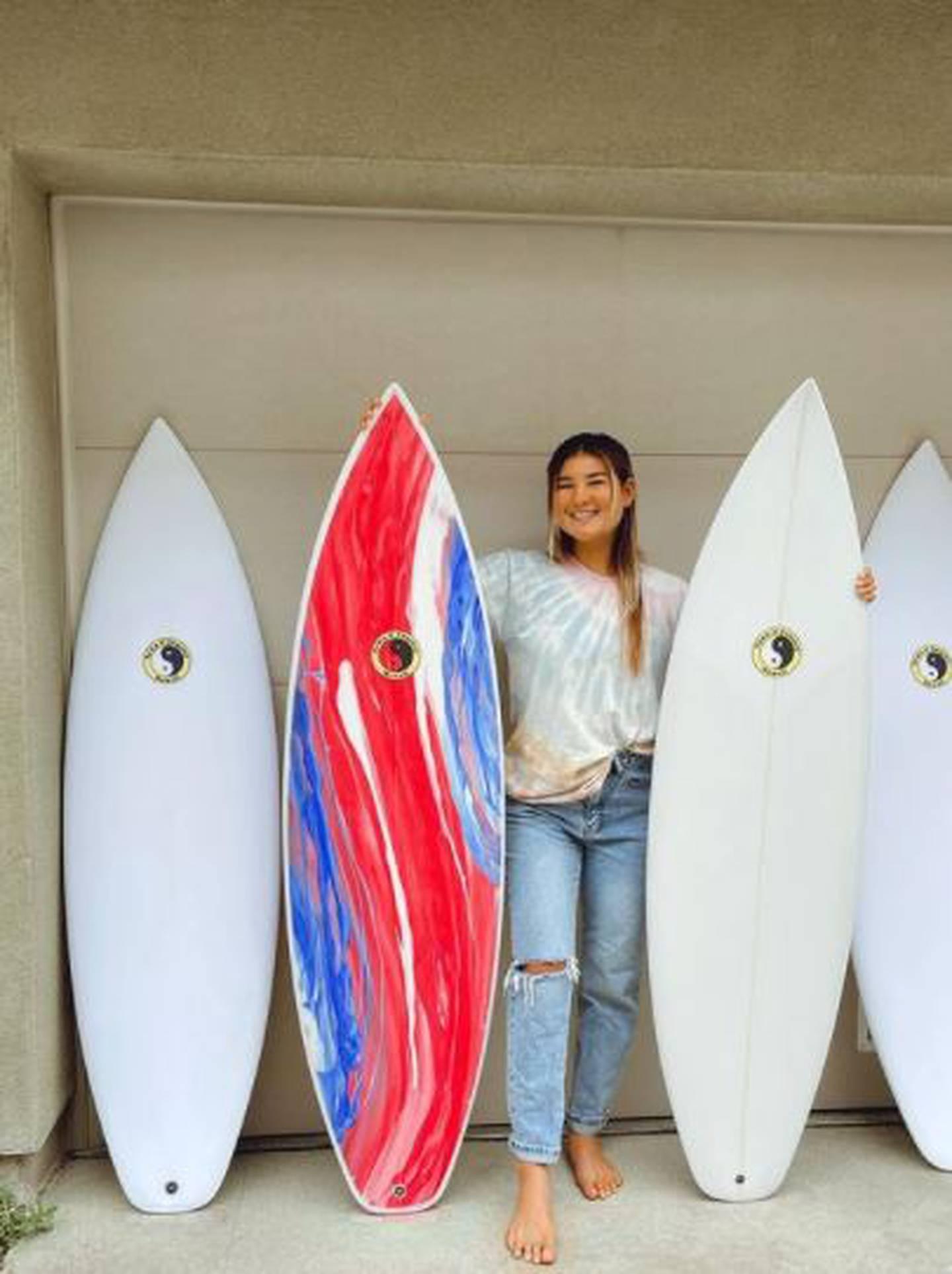 Brisa Hennessy, surfista tica. Instagram.