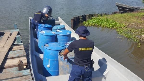 Se presume que la gasolina fue sacada de una estación de combustible cercana. Foto MSP
