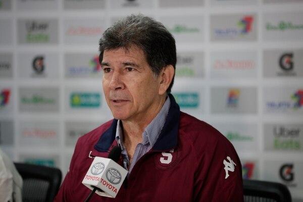 Evaristo se rajó en elogios para Adolfo Machado, pero dejó pasar la opción de contratarlo. Fotografía: Alejandro Gamboa Madrigal.