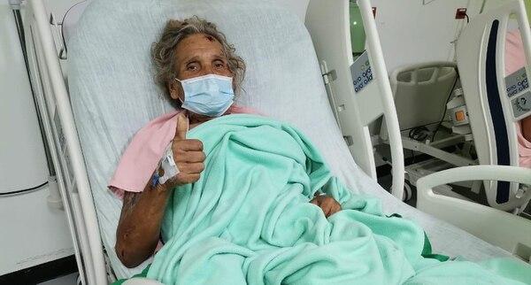 Don Gerardo asegura que está vivo de milagro. Foto: A. Garita