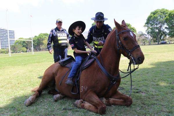 El pequeño disfrutó al máximo con los caballos que tanto le gustan. Foto: MSP.