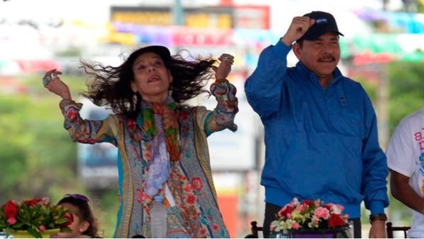 Daniel Ortega y Rosario Murillo no se han inmutado por el coronavirus. Cortesía La Prensa.