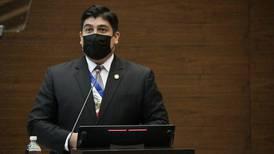Carlos Alvarado está indignado y molesto por supuestos casos de corrupción