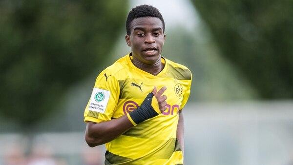 Moukoko sería convocado a partir del 24 de noviembre, cuando el Dortmund debute ante el Brujas de Bélgica. Getty Images.