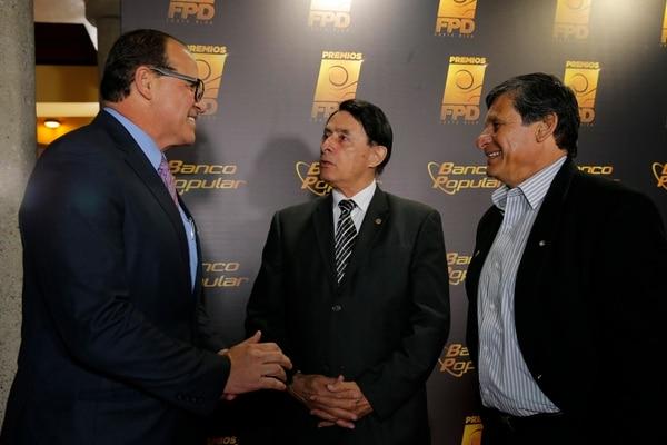 José Jaikel (izquierda) es el presidente de la Comisión técnica, también el exfutbolista Róger Flores (derecha) es miembro de este equipo de trabajo. Foto. Grupo GN