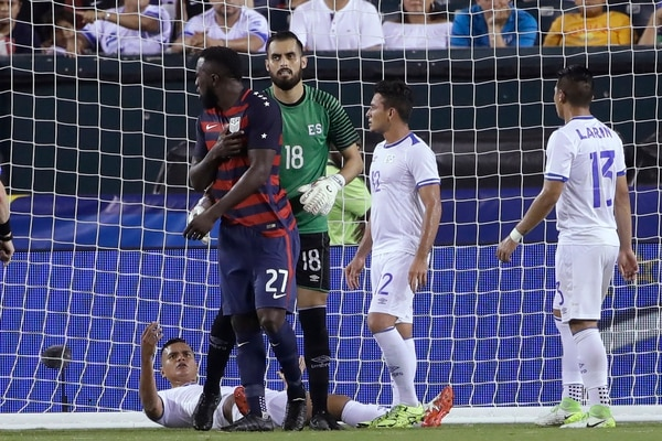 CONCACAF anunció castigos para Darwin Cerén y Henry Romero