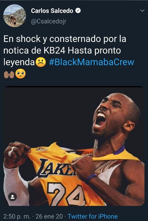 Carlos Salcedo se equivocó con su saludo de despedida a Kobe Bryant. Foto: Twitter
