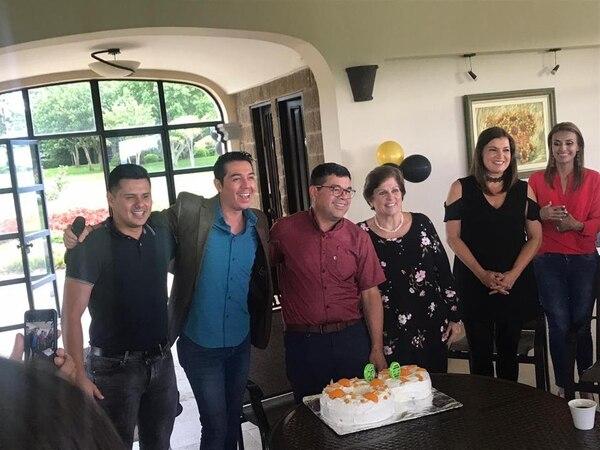 El evento fue para los más cercanos de doña Pilar Cisneros. Facebook.